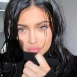 Kylie Jenner bellissima, i nuovi selfie fanno impazzire i fan