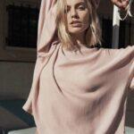 Margot Robbie bellissima su Vogue Australia Magazine (FOTO)