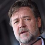 """Russell Crowe irriconoscibile, beccato tra il pubblico di """"Britain's Got Talent"""" (FOTO)"""