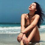 Aurora Ramazzotti sexy in bikini, anche per lei primo bagno dell'anno (FOTO)