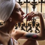 Giulia De Lellis sexy nella vasca da bagno, le foto hot sui social