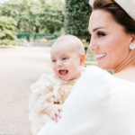 William e Kate, le bellissime foto del battesimo al principe Louis