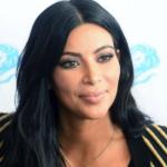 """Kim Kardashian con una tuta """"spaziale"""""""