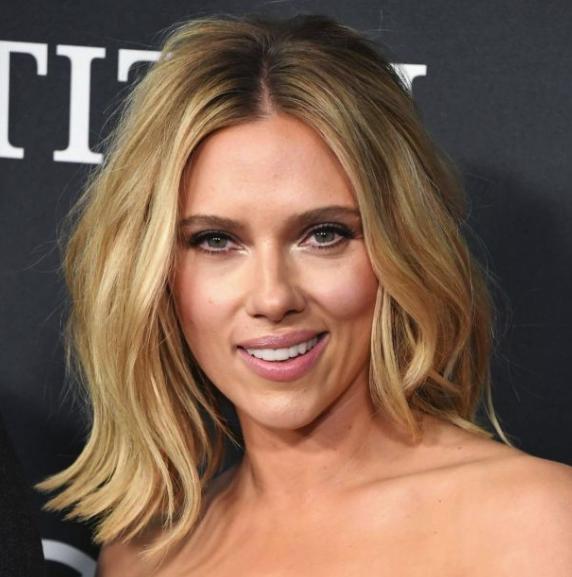 Scarlett Johansson wow