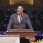Il commovente tributo di Dwayne Johnson al funerale del suo papà (VIDEO)
