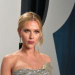 E l' Oscar va a…il tatuaggio sulla schiena di Scarlett Johansson (FOTO)