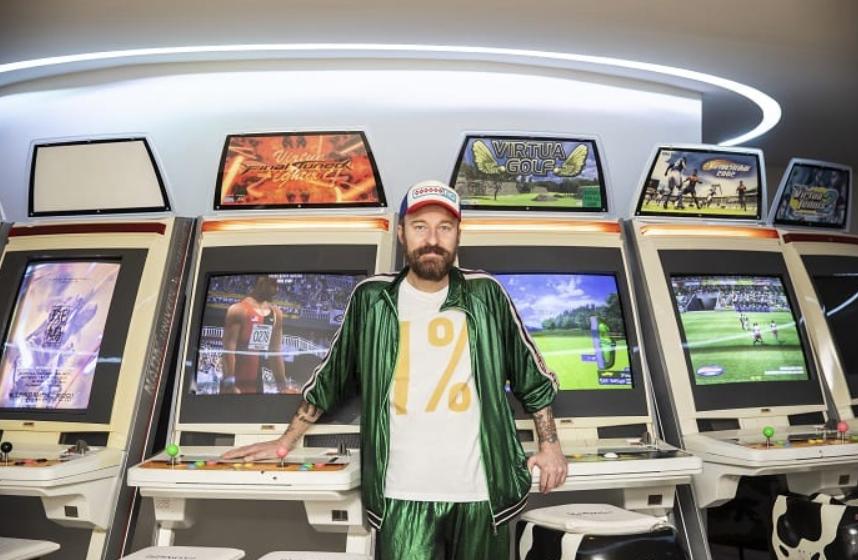 Francesco Facchinetti mostra la sua mega-villa nel nuovo programma MTV (FOTO)